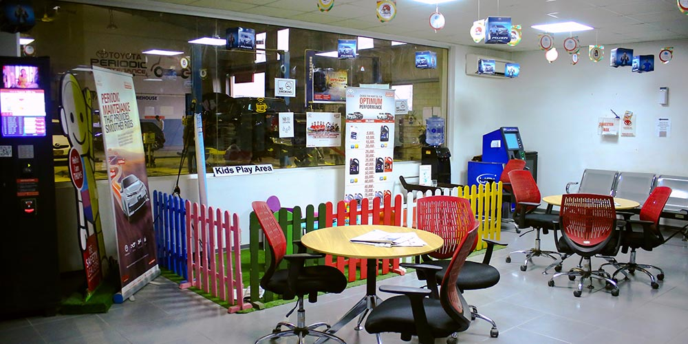 Sitting and Kids Play Area - Showroom Facility