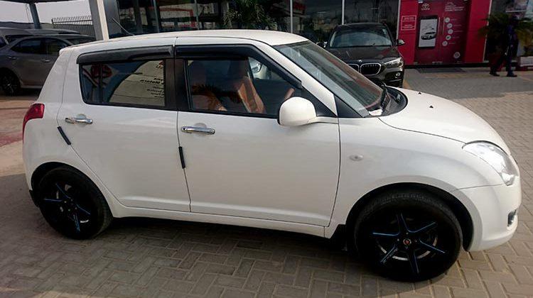 White Suzuki swift 1.3 dlx for sale