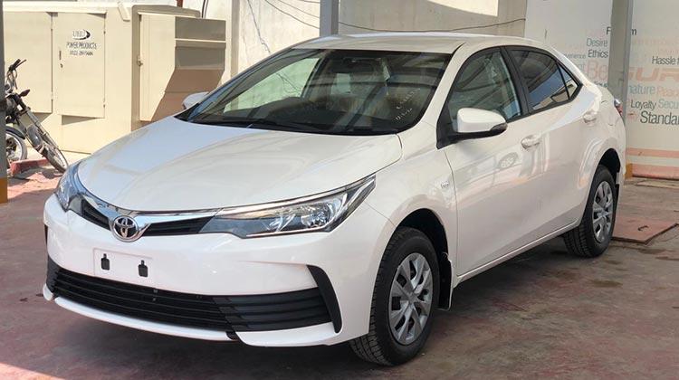AFR-2020-Toyota-GLI-White