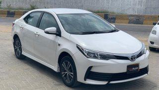 Toyota Corolla Altis Automatic for Sale in Super White Color